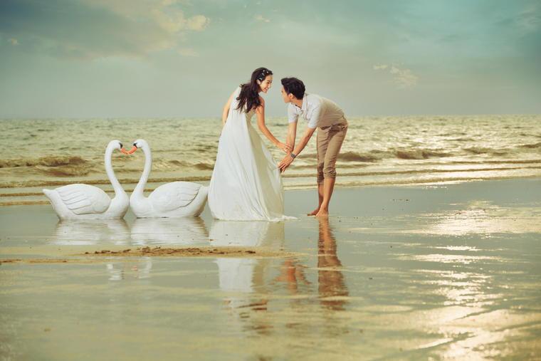 【时尚海景婚纱照】永恒美婚纱摄影—天鹅情缘