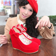 春秋结婚鞋红色坡跟新娘鞋大小码高跟孕妇婚礼鞋女单鞋防水台红鞋