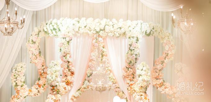 舞美道具 花艺背景 1个 欧式鲜花铁门 1个 花式背景迎宾区 1个 精美