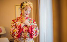 【小艾造型】资深造型师3300元跟妆+婚纱套系
