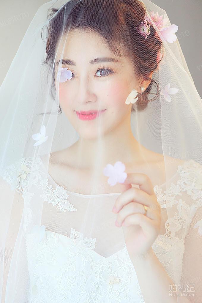 婚纱鲜花可爱俏皮妆面造型