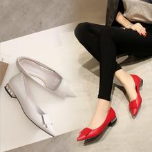 2017新款粗跟水钻平底低跟红色婚鞋尖头白色新娘鞋婚纱鞋