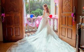 总监级别:半天跟拍单机摄影+半天新娘跟妆