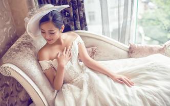 【艾莎造型】专业档全天跟妆+免租婚纱+伴娘妆1个