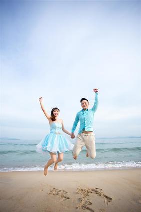 中式海景婚纱照