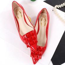2016新款红色船鞋浅口平跟女婚鞋方扣尖头单鞋大码漆皮韩版平