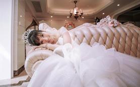 【爱沫】全套设计师款婚纱礼服租赁+总监跟妆