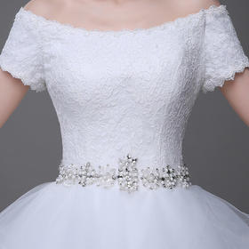 一字肩婚纱礼服