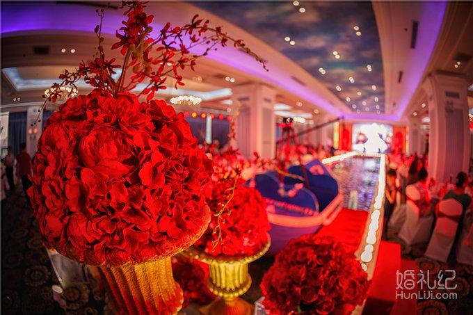 内蒙古优米婚礼宴会设计 红金主题