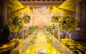 优雅香槟金色室内暗场婚礼