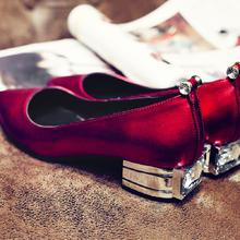婚鞋红色新款真皮女鞋韩版尖头舒适低跟婚鞋银色红色四季婚鞋