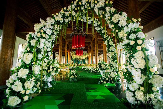 艾恩婚礼 | 浪漫白绿色系婚礼