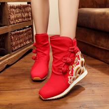 冬季老北京布鞋内增高加绒绣花短靴子民族风坡跟棉鞋女红色婚靴女