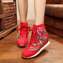 秋冬新款牛筋底老北京帆布绣花鞋坡跟内增高拉绒内胆红色系带婚靴