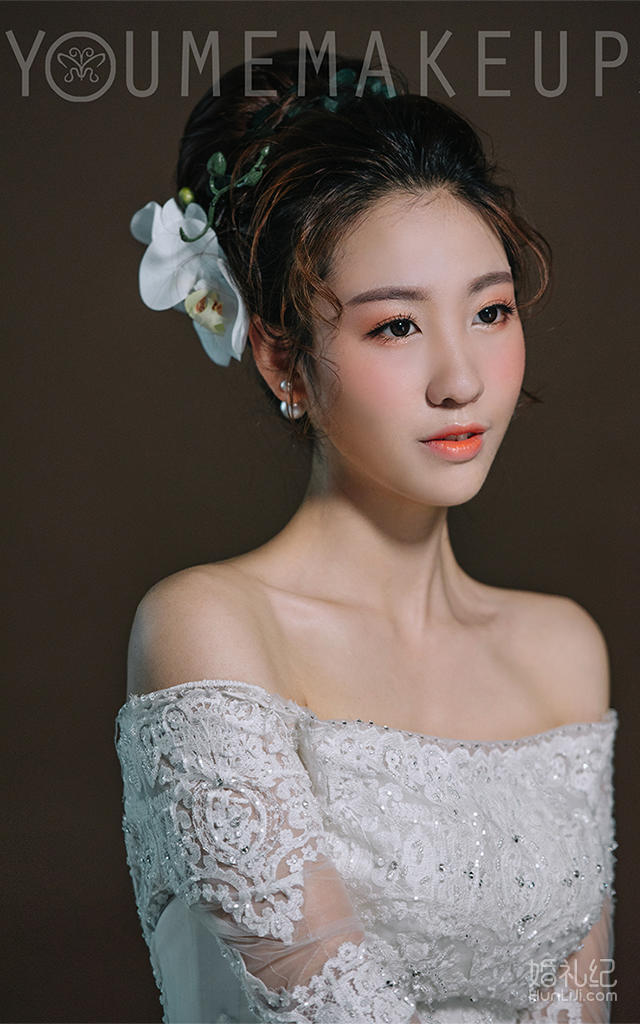 高级化妆师    张小倩