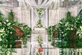 白绿秀场风 森系婚礼布置