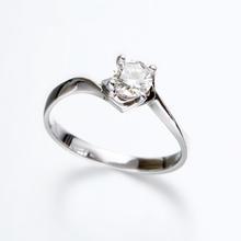 【爱换名品汇】钻石戒指