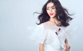 【MC婚礼造型】央视化妆师档全天跟妆+免租婚纱