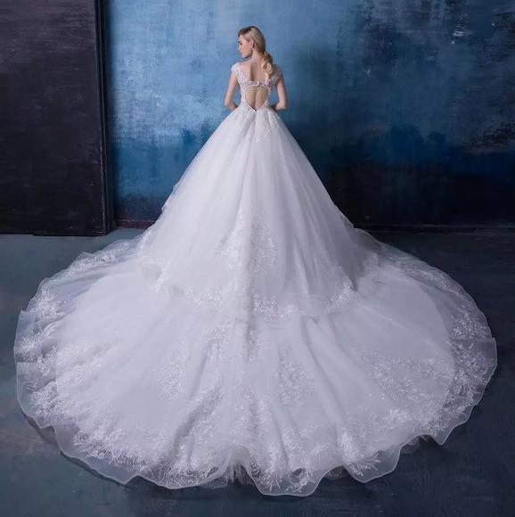 [预售]双肩V字领婚纱 小胸新娘也性感