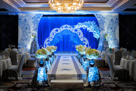 青花瓷复古中式婚礼布置