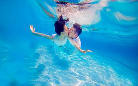 苏曼马场,美人鱼等;欧韩式婚纱照:水下专题拍摄