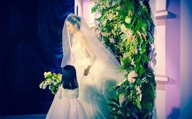 《女神必选全套服务》首席全天跟妆+婚礼当天婚纱