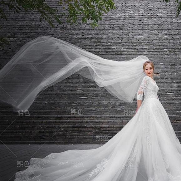 新款韩式修身显瘦一字肩长袖婚纱礼服蕾丝长拖尾新娘