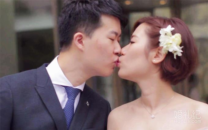 总监档三机位+婚礼快剪免费送(每月限定1单)