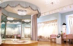 【经典套系】首席化妆师+婚纱礼服+赠伴娘服妈妈妆