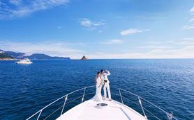 私家豪华游艇海中拍摄 深圳海景婚纱摄影