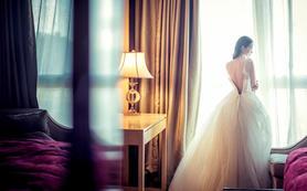 超值租赁7件套,婚纱礼服伴娘服+首席化妆师跟妆!