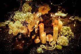 超个性复古黑金色婚礼布置