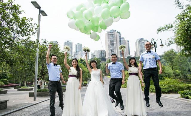 森系室外婚礼气球装饰