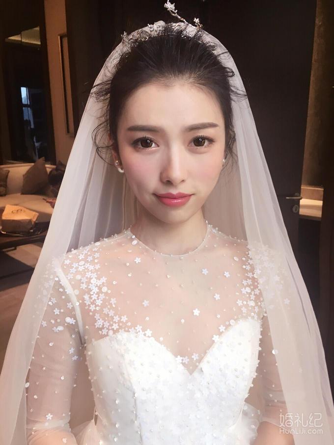 资深全天跟妆+精品长托+高档齐地婚纱/秀禾+礼服