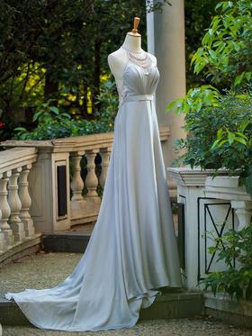 灰色气质串珠新娘晚礼服,性感大气兼得