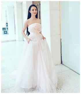 明星同款时尚花朵生日宴会晚礼服显瘦抹胸长款年会主持人礼服女