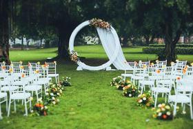 怦然心动主题婚礼 户外草坪婚礼