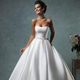 新款婚纱礼服新娘抹胸修身显瘦缎面大拖尾婚纱蓬蓬百褶裙