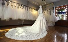 《挚爱系列》婚纱五件套+新郎西服+首席新娘跟妆
