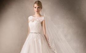 蒙娜丽莎礼服馆:婚纱礼服租赁套系