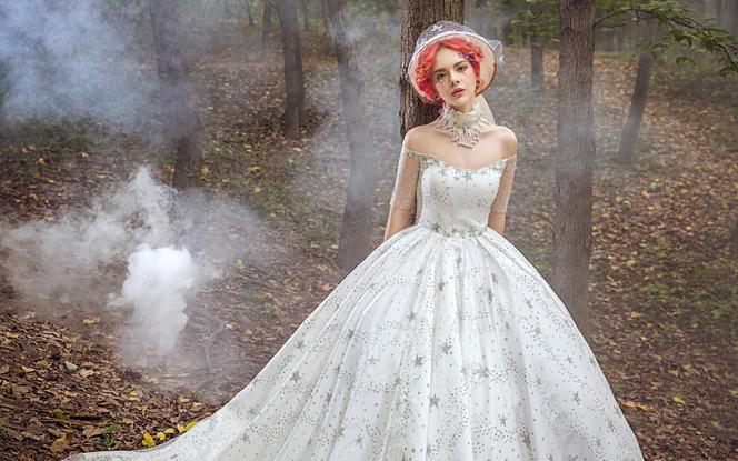 【瑞莎贝拉/人气爆款】2件高定+伴娘服+全程跟妆