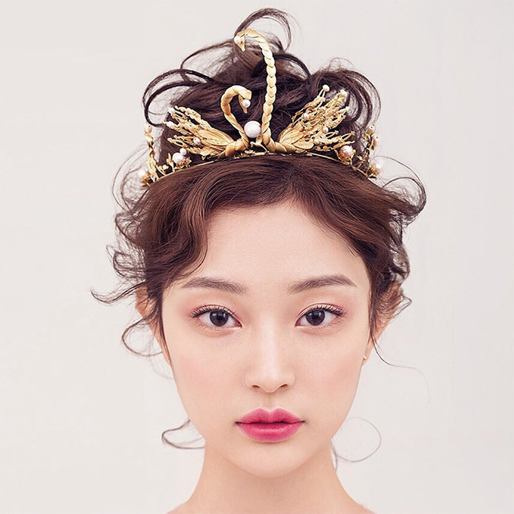 【桃之夭夭】新娘头饰巴洛克天鹅皇冠 复古金新娘皇冠图片