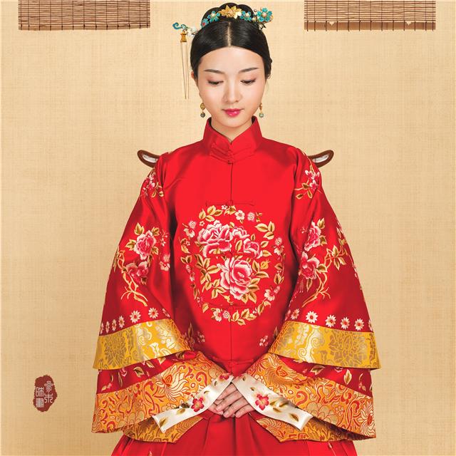 华芬嫁衣 原创中式嫁衣手工刺绣花开富贵大团花真丝三层袖四片裙图片