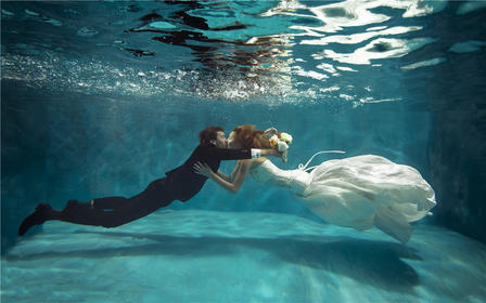 定制式旅行婚纱照伯爵婚纱摄影