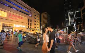 【帆拉斐】城市旅拍  多对一服务,爆款抢购