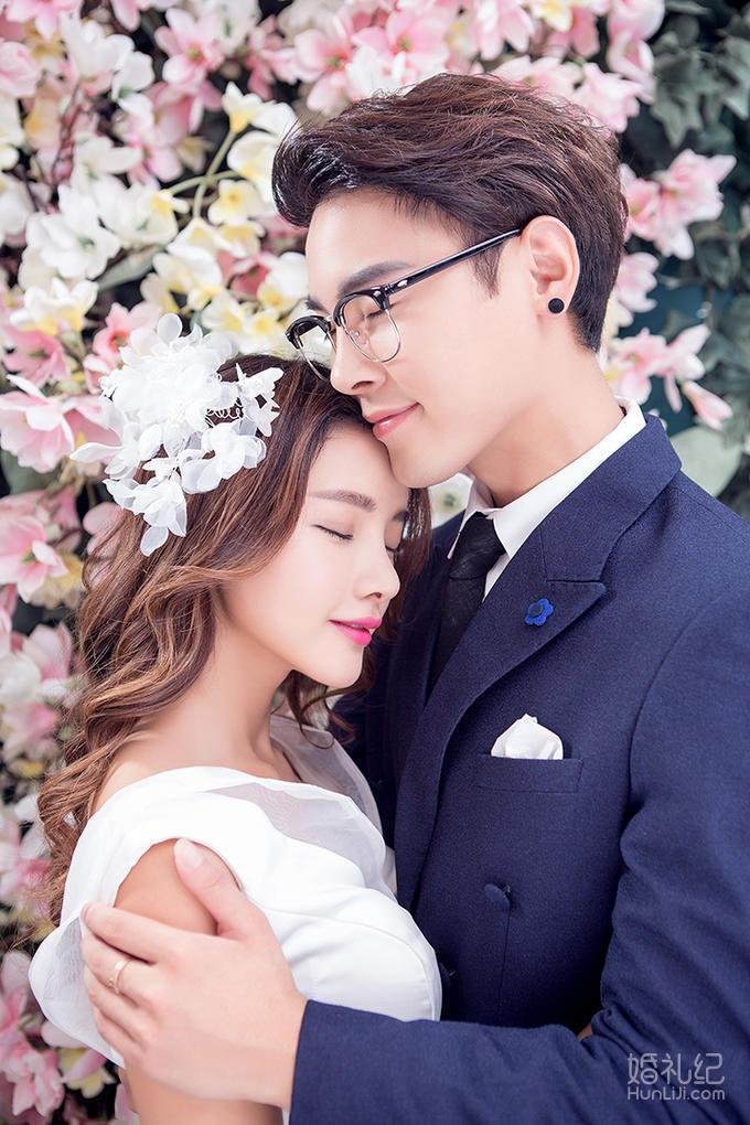 【香港卓美】提供双机拍摄  •  浪漫微电影