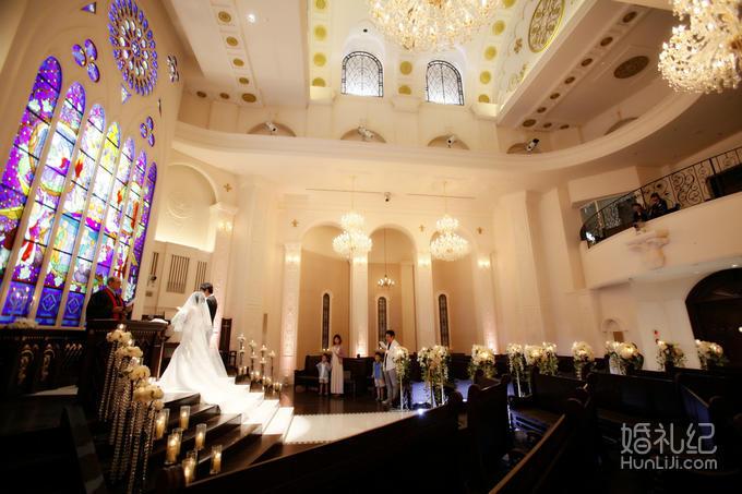 北海道丽拉贝尔教堂婚礼,乐惟海外婚礼重庆店