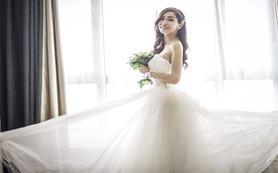 【爆款特惠】婚礼跟妆+婚纱+敬酒
