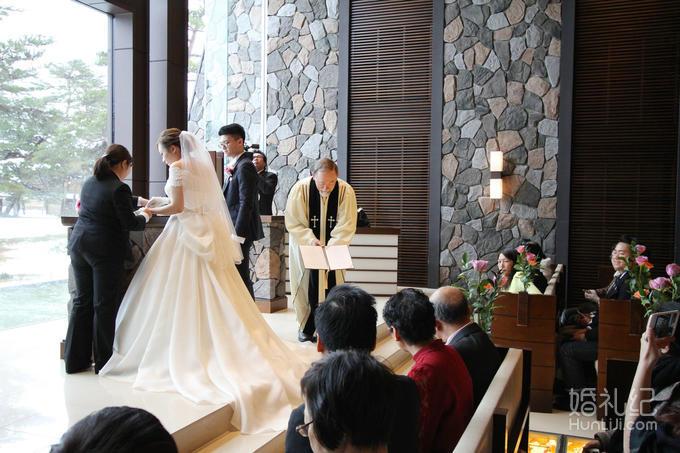 乐惟海外婚礼重庆店,轻井泽王子光之教堂婚礼