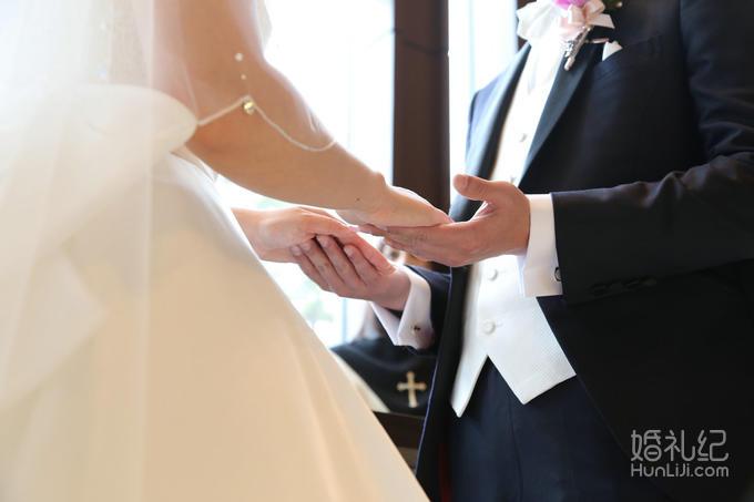 轻井泽王子光之教堂婚礼,乐惟海外婚礼重庆店